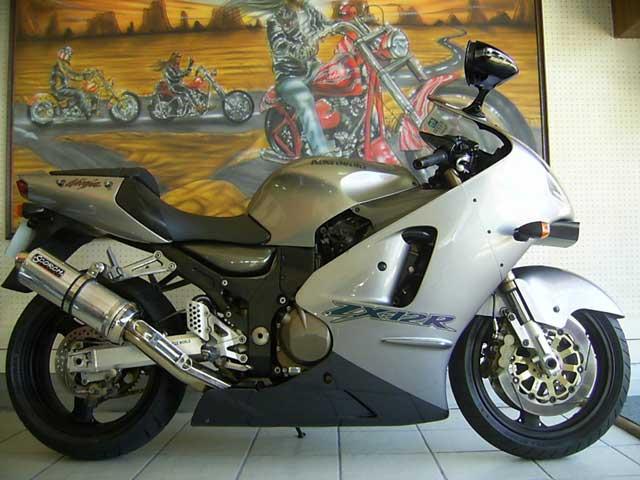 Kawasaki Ninja R Specifications